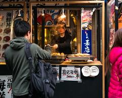 Tokyo50-46 (Diacritical) Tags: japan tokyo tsukiji group street april32017 leicacameraag leicamtyp240 summiluxm11435asph f24 ¹⁄₂₅₀sec centerweightedaverage