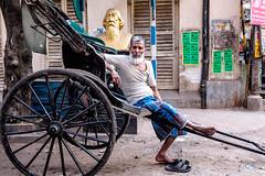 (Jpierrel) Tags: fuji fujifilm xt1 1655 india inde calcutta kolkata sudderstreet richshaw rickshawwallah rickshawpuller icons tagore