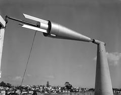 Anglų lietuvių žodynas. Žodis cone antenna reiškia kūgio antena lietuviškai.