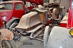 renault 12/16 tourer (riccardo nassisi) Tags: collezione righini rust rusty scrapyard collection camion truck ruggine epave alfa romeo 950 900 fiat old car auto