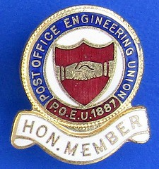 (POEU) Post Office Engineering Union - Honorary Membership badge (1930's - 1950's) (RETRO STU) Tags: postofficeengineeringunion poeu postofficeamalgamatedengineeringstoresassociation engineeringofficerstelecommunicationsassociation eota communicationworkersunion cwu tradeunions skilledjobs enamelbadge thomasfattoriniltdofbirmingham