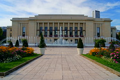 Mairie (EnelyM Photography) Tags: city hall flowers light landscape puteaux fountain architecture