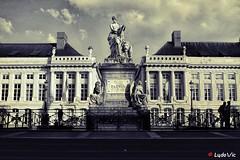 Place des Martyrs (Bruxelles) (Lцdо\/іс) Tags: place des martyrs brussels brussel bruxelles belgique belgium belgie capital région monument architecture flickr