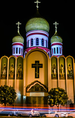 holy virgin cathedral (pbo31) Tags: sanfrancisco nikon d810 color spring boury pbo31 city 2017 california night dark black lightstream traffic roadway motion richmonddistrict gearyboulevard church religion temple russianorthodox holyvirgin cathedral orange march