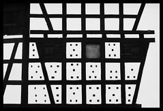 Quadrillage (DavidB1977) Tags: nikon d610 ais 35mm france alsace basrhin bw nb monochrome hunspach mur