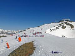 Svp s'arrêter à côté de la piste (-Skifan-) Tags: esf lesmenuires mtdelachambre 3vallées les3vallées skifan