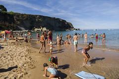 Gente en la playa (diegoperezabascal) Tags: people seascape beach water landscape gente playa paisaje personas