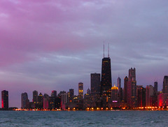 Chicago im Morgenrot (Steppenwolf33) Tags: usa lake chicago illinois michigan reflexionen wolkenkratzer morgenrot glasfassaden steppenwolf33