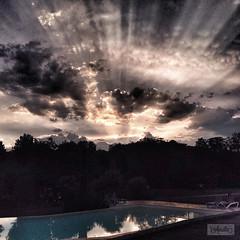 When time stood still - La-Aurelia (La Aurelia) Tags: sunset sunlight holiday france dordogne swimmingpool sunrays aurelia iphone iphoneography laaurelia