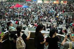 Umbrella Revolution #94 (人間觀察) Tags: street leica city people publicspace umbrella hongkong democracy candid central protest stranger demonstration revolution 40mm hongkongisland socialevent m9 wideopen summicronc f20 occupy umbrellarevolution leicasummicronc40mmf20 leicam9 occupycentral 雨傘運動 雨傘革命 遮打革命 遮打運動