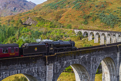 Glenfinnan viaduct and the jacobite steamtrain (sean@bradford) Tags: scotland highlands trains viaduct glenfinnan steamtrains scottishhighlands glenfinnanviaduct lochsheil thewesthighlandline thejackobite