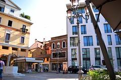 Piazza San Vito Treviso (cristina.depascale) Tags: show mostra city italy sculpture art square stand arte place exhibition treviso scuola scultura sculptress estemporanea piazzasanvito scultrice