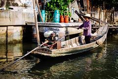Thai woman (Eduardo Bassotto) Tags: people woman river thailand boat women asia bangkok