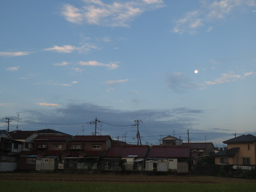 空にはお月さんが・・・