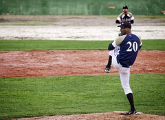 Pitcher (Gallo Quirico) Tags: madrid baseball olympus pitcher 50200mm zuiko swd e5 beisbol