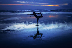 Natarajasana (West Leigh) Tags: ocean travel sunset beach silhouette yoga oregon wonder northwest oregoncoast meditation bluehour tranquil