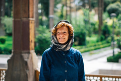 Esfahan (cranjam) Tags: veil iran middleeast hijab persia palace unesco worldheritagesite mum mamma angela esfahan velo isfahan chehelsotoun mediooriente chehelsotoon vsco shahabbasii chihilsutun  kakhechehelsotun isfahanishalfoftheworld esfahnnesfejahnast