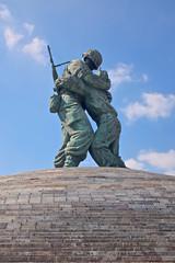 Statue of Brothers (Mondmann) Tags: sculpture monument statue memorial war asia southkorea warmemorial koreanwarmemorial rok northkorea koreanwar dprk republicofkorea mondmann statueofbrothers fujifilmx100s