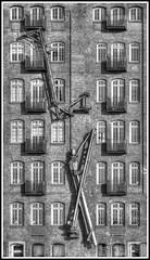 cranes... (kurtwolf303) Tags: windows bw building topf25 facade germany deutschland harbor blackwhite topf50 topf75 500v20f harbour balcony fenster hamburg olympus front cranes sw hh hafen gebude omd fassade balkone krne schwarzweis 3000views 2500views worldcitycenters 1250mm em5 1500v60f 1000v40f 250v10f thisishh monochromefineart unlimitedphotos micro43 microfourthirds minimum500v minimum2000v minimum1000v minimum1500v