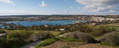 Vista del puerto de Marsaxlokk (Malta) desde Delimara
