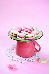 Raspberry-Lime Macarons (Мiuda) Tags: almond background berries birthday candy celebrate closeup colored colorful confectionery cookies cream cup delicious dessert down easter filling food french gift gourmet green happiness holidays icing jam macarons modern paris party pastel pastry patisserie patissier pistachio pretty professional raspberries red spring sugar summer sweets tasty teatime traditional upside upsidedown whipped foodphotography canon foodblogger