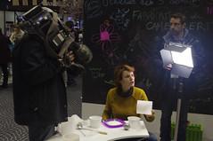 plateau télé au salon de l'agriculture (hyéronimous) Tags: salondelagriculture salon télé télévision caméra caméraman présentateur france3 lumière