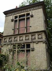 Vichy (Cherryl.B) Tags: vichy allier auvergne maison empereur napoléon abandonné abandoned decay tourisme