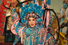 DSC_0234 (卢芳思) Tags: 京剧,北京,pechino operadipechino cina china 中国 humans humanfaces faces persons people opera theater pictures portraits maquillage makeup explored flickr nikon nikonisti natgeofacesoftheworld religion religious praying prayer sacred secret