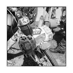 grand ma's solex • dijon, burgundy • 2016 (lem's) Tags: solex motorbike crochet grand mère dijon prenois legendes burgundy bourgogne rolleiflex planar