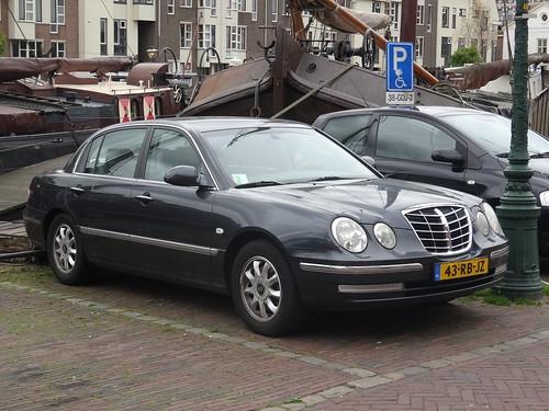 2005 Kia Opirus
