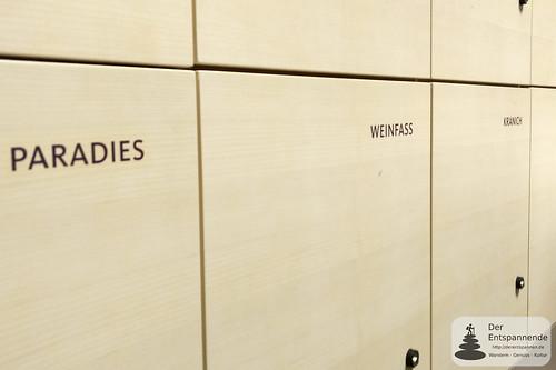 Schließfächer mit Namen der Häuser