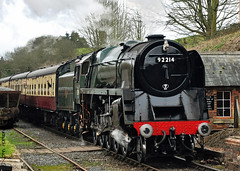 SVR Spring Gala (2017) 01 - 9F at Eardington (Row 17) Tags: uk unitedkingdom gb greatbritain britain britishrailways england shropshire eardington railways railway svr severnvalleyrailway 2100 9f heritagerailway preservedrailway steamlocomotive steamengine steam locomotive locomotives train travel transport
