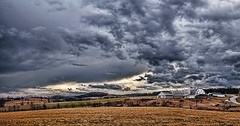 IMG_7332-33Ptzl1scTBbLGE (ultravivid imaging) Tags: ultravividimaging ultra vivid imaging ultravivid colorful canon canon5dmk2 clouds stormclouds scenic rural panoramic pennsylvania pa farm fields barn storm