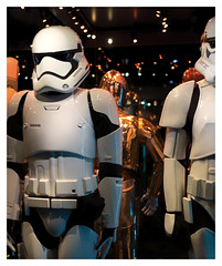 Stormtroopers (Gretsch*) Tags: london londres angleterre england leicam240 leicasummicron35mmf20asph starwars starwarsidentitiesexhibition o2london leicamptyp240