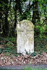 Milestone, B3349 Hook (stavioni) Tags: milestone concrete marker hook hampshire