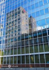 Spiegelung (Seppelche) Tags: sparkasse spiegelung frankfurtm bank gebäude architektur mainhattan
