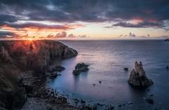 Mangersta Sunset (Maciej - landscape.lu) Tags: mangersta island sea stacks lewis seastacks scotland sunset coast coastal landscape amazing colors sun last momentday clouds golden hour sunstar