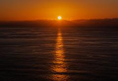 Se acaba el día. (The day is over). (Víctor Pacheco.) Tags: mesadelmar tacoronte tenerife atardecer sunset sol mar sun sea puestadesol playa océano beach