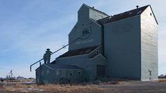 Fort Macleod Alberta Grain Elevator (Wilson Hui) Tags: canada rural farming elevator grain alberta agriculture grainelevator historicbuilding albertawheatpool fortmacleod ruralalberta