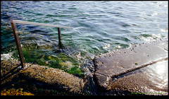 141026-4976-EOSM.jpg (hopeless128) Tags: sydney australia newsouthwales handrail maroubra rockpool 2014 oceanpool seapool mahonpool opalsunday