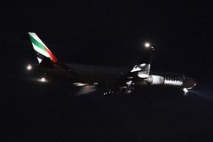 Emirates Boeing 777-300ER; A6-EGM@ZRH;03.11.2014/768av (Aero Icarus) Tags: plane aircraft emirates avion zrh zrichkloten flughafenzrich boeing777300er a6egm nighttimearrival