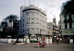 SAIGON Oct. 1967 - Tòa Đại sứ Mỹ cũ, góc Hàm Nghi-Võ Di Nguy (manhhai) Tags: waite vietnam 1967 saigon bienhoa macv advisoryteam98 ductu