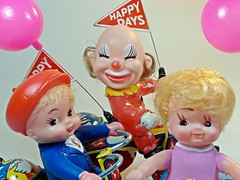 MTU  Tin Wind Up  Happy Days  Mechanical Girls, Clown & Boys Tricycles  Cheese!! (My Toy Museum) Tags: girls boys toy tin happy mechanical tricycle clown days cousin