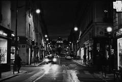 La rue de Tournon et le Sénat (Max Sat) Tags: 75006 analog bw f14 film ilfordhp5 leica leicar5 leitz lights lumières nb nuit paris r r5 rue ruedetournon sénat street summilux summiluxr5014 maxsat maxwellsaturnin unexplored