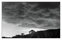 Le Pouldu (Punkrocker*) Tags: leica travel film clouds 50mm landscapes brittany kodak trix bretagne nb m 400 konica nuages morbihan m2 paysages 502 hexanon lepouldu bwfp
