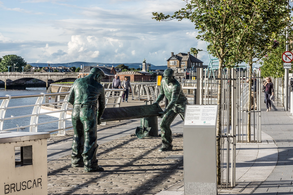 The Dockers Monument In Limerick City Ref-416