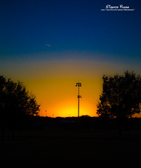 Sunset - Round Rock/TX - US (Gilberto Russo) Tags: park trees sunset shadow sky orange usa sun color sol nature us unitedstates tx sombra arvores ceu roundrock gilbertorusso
