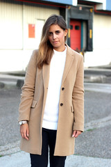 5-look-watch-michael-kors-gold-plain-basic-outfiti (www.shoutouttoyou.com) Tags: blue winter white inspiration black look smart gold michael sweater outfit long pants buttons coat watch cream smith tommy sneakers clean originals stan jeans simplicity trousers kicks adidas plain basic combination layered kors