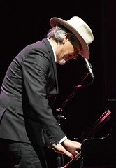 """Howe Gelb • <a style=""""font-size:0.8em;"""" href=""""http://www.flickr.com/photos/10290099@N07/32800877743/"""" target=""""_blank"""">View on Flickr</a>"""