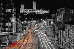 Lincoln Cathedral (Objektiv187) Tags: lincolnshire lincoln cathedral gothic architecture selective colour silverefex traffic nikon red lightrooms light
